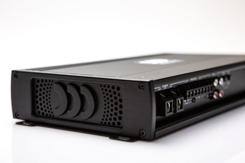Morel Debut Its First Line Of After-Market Automotive Amplifiers