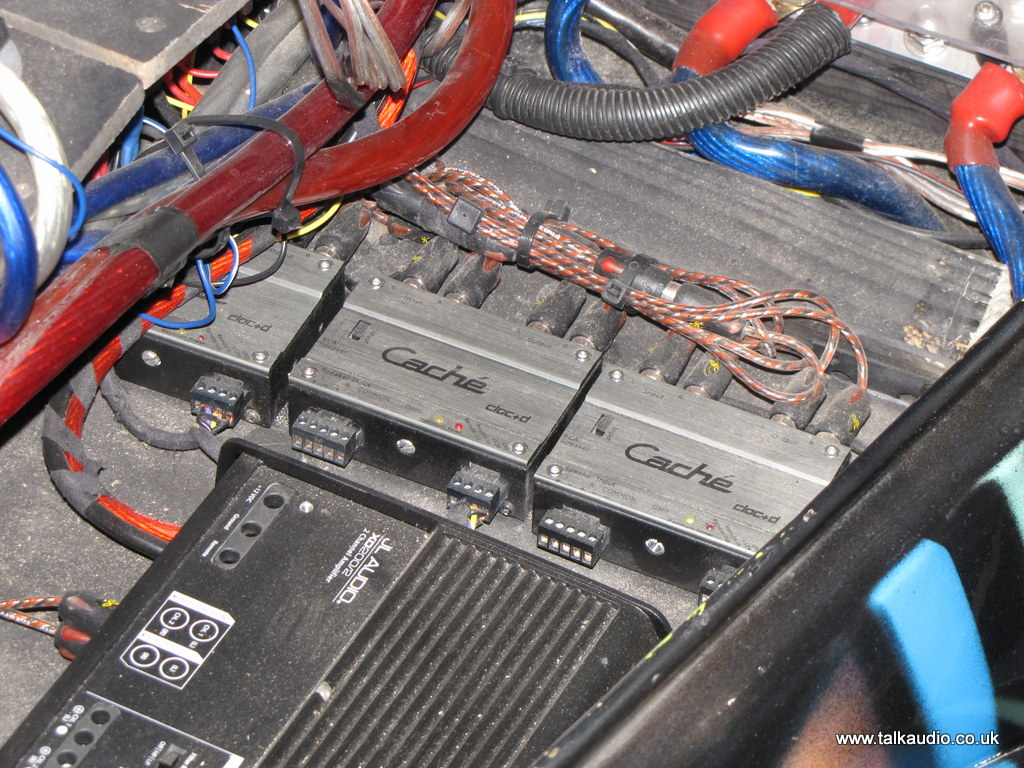 Oxford Car Audio Jl Graffiti Beetle Adam Rayner Talks Amp Wiring Clearly Use High Quality Amplifiers In Their Preamp Sections As From Here The Sounds Go Off To Bass Amps Signal Dives